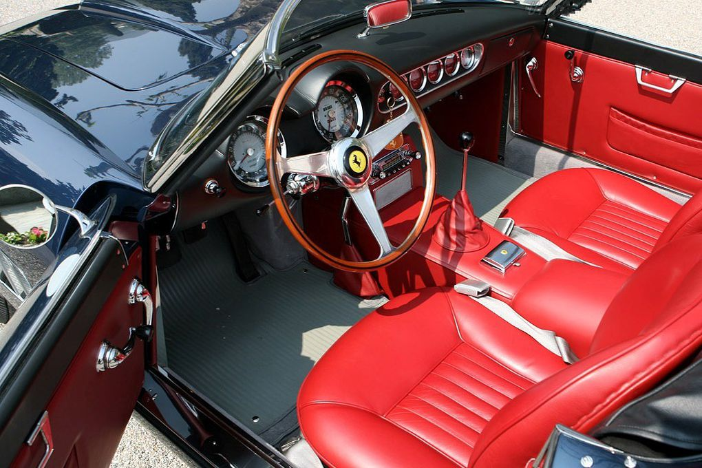 VOITURES DE LEGENDE (497) : FERRARI 250 GT  SWB CALIFORNIA SPYDER - 1960