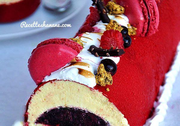 Bûche à la vanille insert aux fruits rouges (étapes en images)