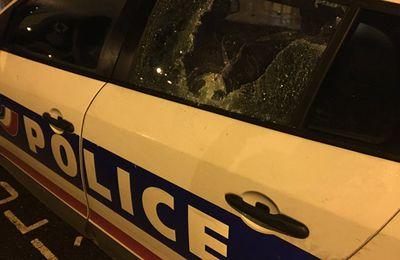 Des policiers donnent des coups de pied et de poing à un conducteur, l'IGPN saisie - vidéo (Sputniknews)