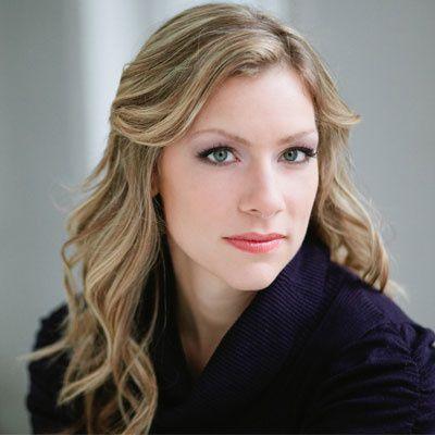jennifer holloway, une mezzo-soprano américaine qui atteint la notoriété internationale en 2006