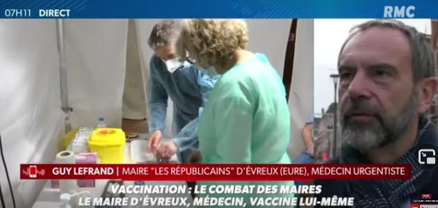 Evreux : Maire et médecin, il vaccine lui-même ses administrés