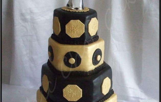 Un wedding cake or et argent....