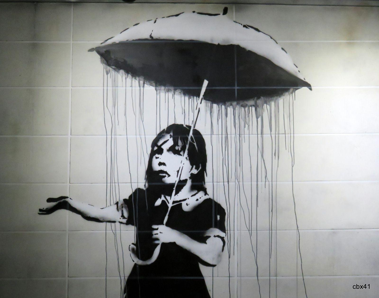 La fille au parapluie, The world of Banksy à l'Espace Drouot