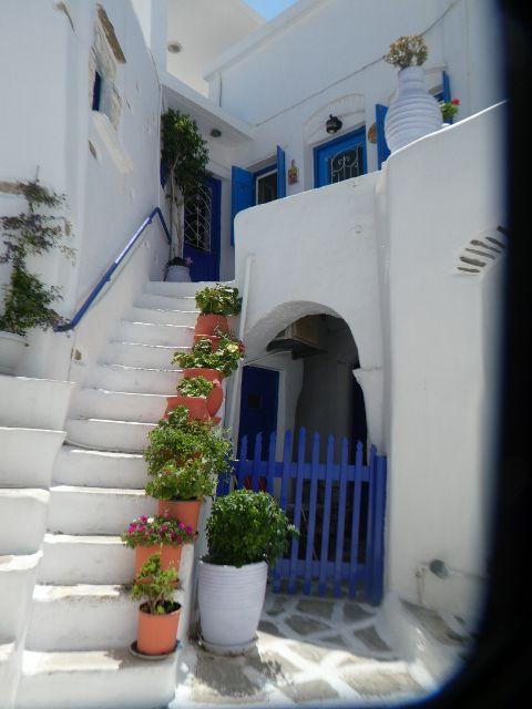 1 à 5 interieur de Paros, 6 à 9 Serifos, 10 et 11 Finekas syros, 13 et suivantes Kithnos , baie ioannis, cote est, cote nord , baie Kolona (3 ) , baie Apokrisis