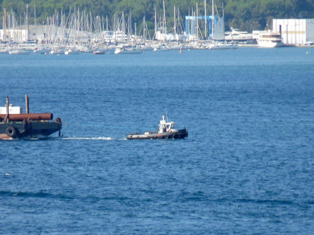 François Sorrente en remoquage de la barge Kinard de St Mandrier à la seyne sur Mer