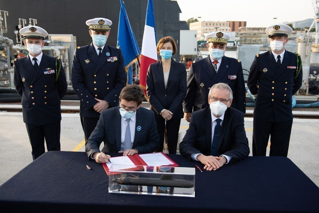 Le Suffren, premier sous-marin Barracuda, livré à la Marine nationale par Naval Group