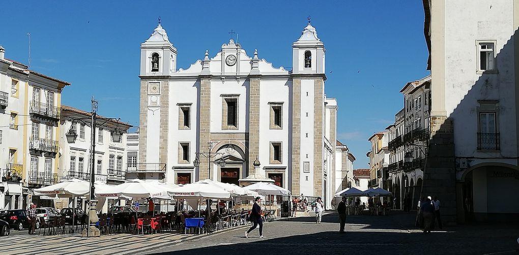 Église St Antoine, chapelle des ossements, temple de Diane, Vasco de Gama