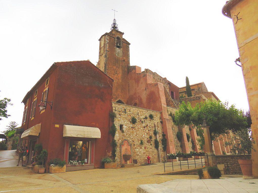 Roussillon, le village des ocres.