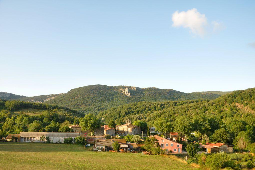 Voici le village de Cubières dans l'Aude (2 photos)