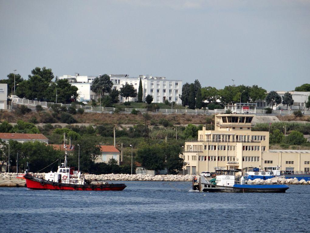CASTOR 3  & STIFF au passage de port de Bouc pour Fos sur Mer le 08 septembre 2015