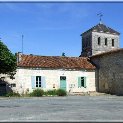 Eglise fortifiée de NANTEUIL AURIAC de BOURZAC