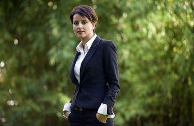Najat Vallaud-Belkacem - tailleur chemisier