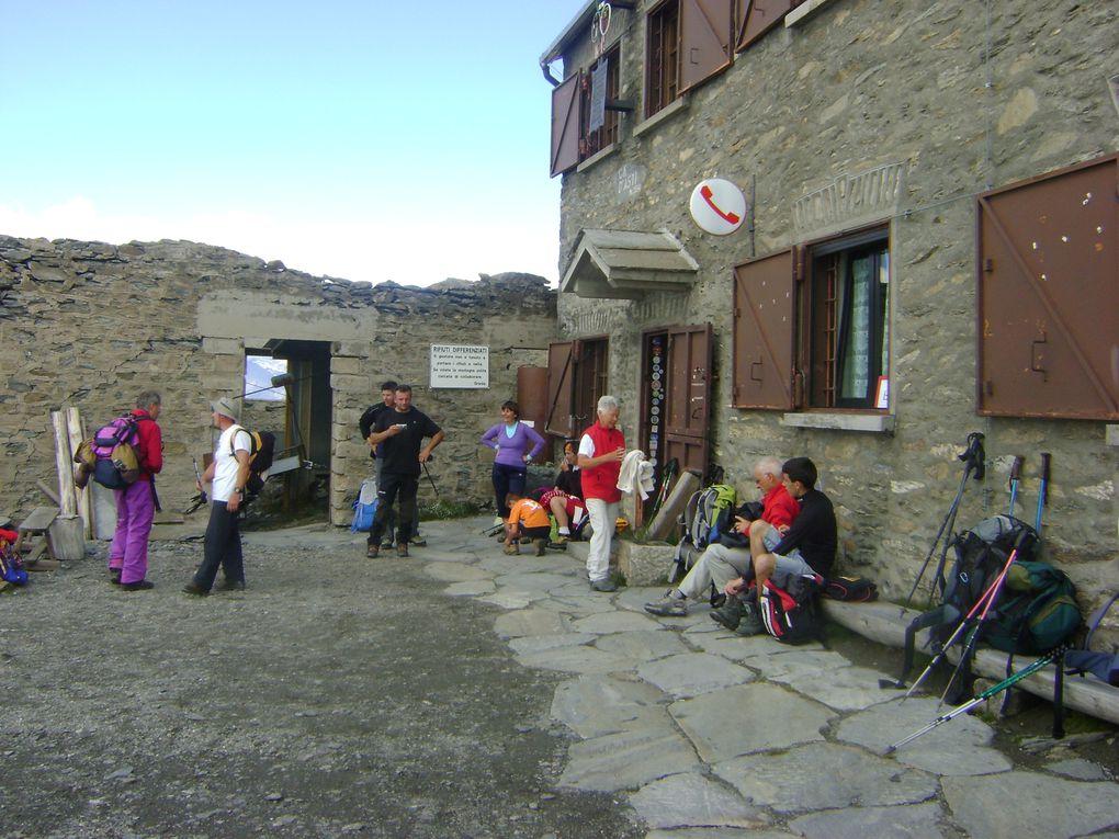 Les quatres communes de Rchemelon (Bessans, Mompantero, Novalaise et Usseglio) rassemblées pour le 112ème anniversaire de la Madonne.  Photos : EM.Tracq