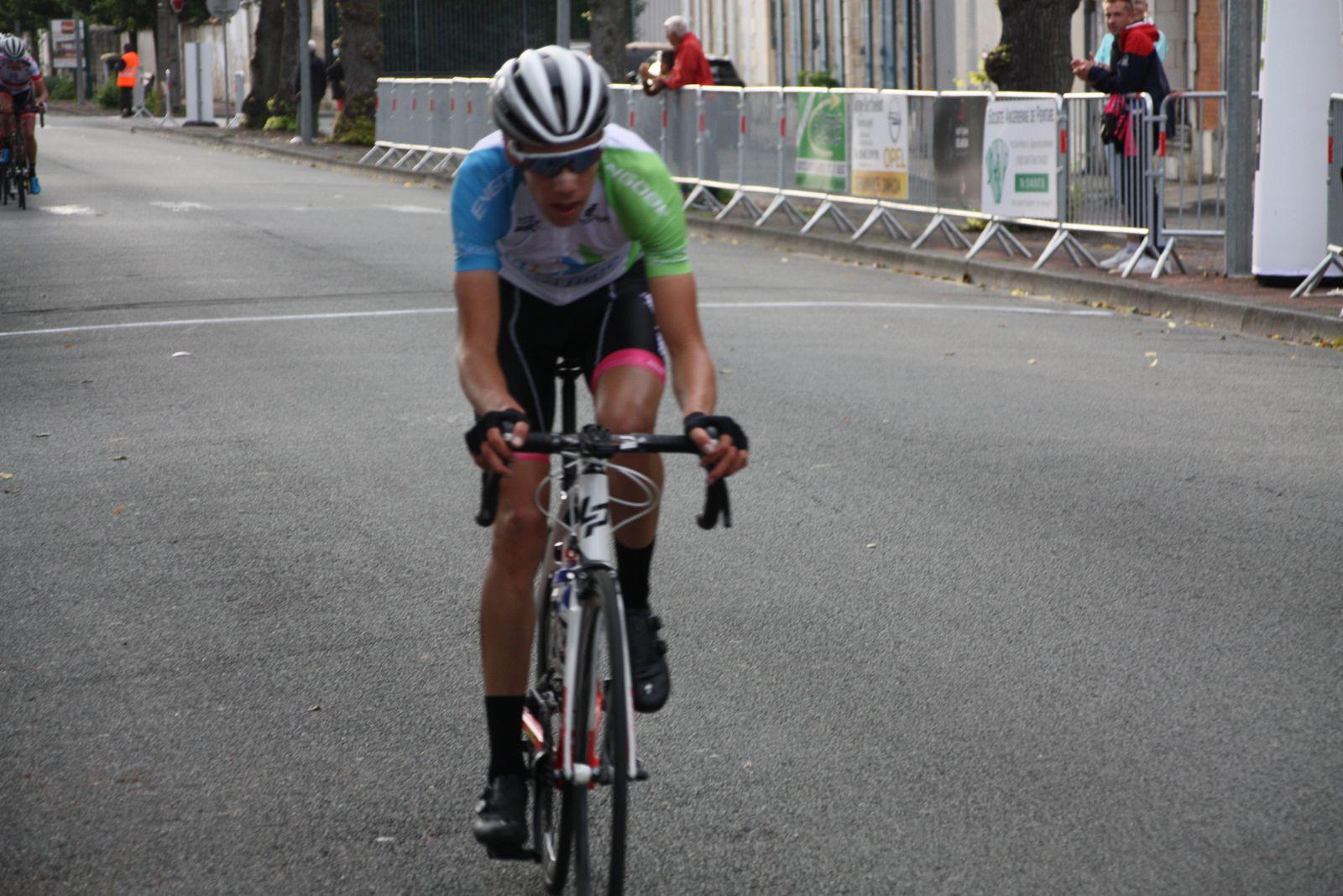 Le  maillot  de  Champion  départemental  transcende  Paul  CONOR