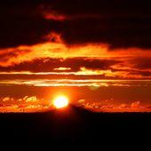 Du monument au monument le soleil levant - Autour de