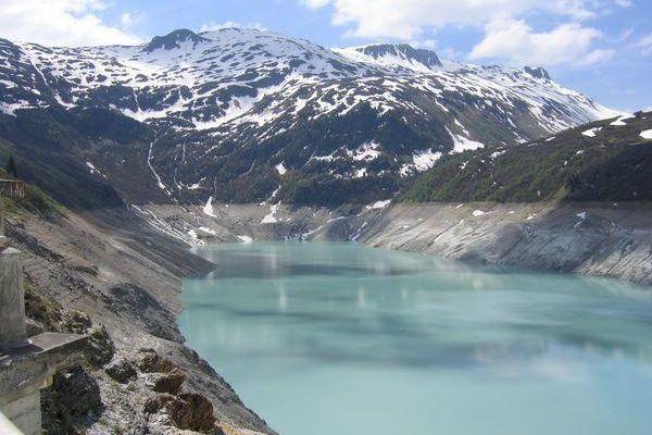 Le lac de la Girotte. Beaufortain.