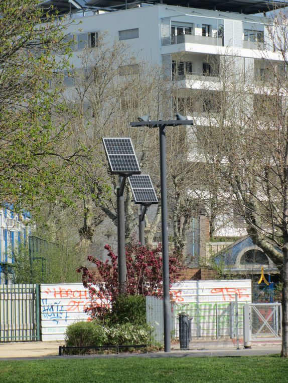 Louis et Emeric présentent l'écoquartier de Bonne (Grenoble)