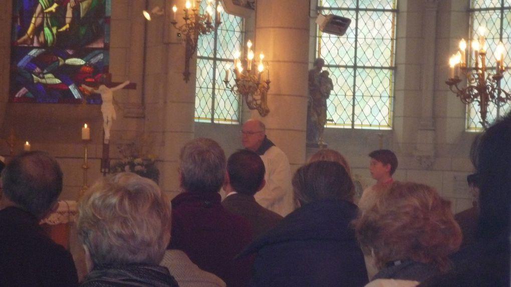 Messe d'installation de l'Abbé Paul-Marie Hédon, par Monseigneur Maurice de Germiny,  à Chaumont-sur-Loire, le dimanche 13 octobre 2013