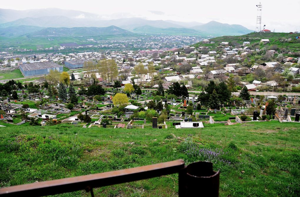 Album - 026 DIRECTION-SPITAK-LE-CIMETIERE-SUR-LA-COLLINE