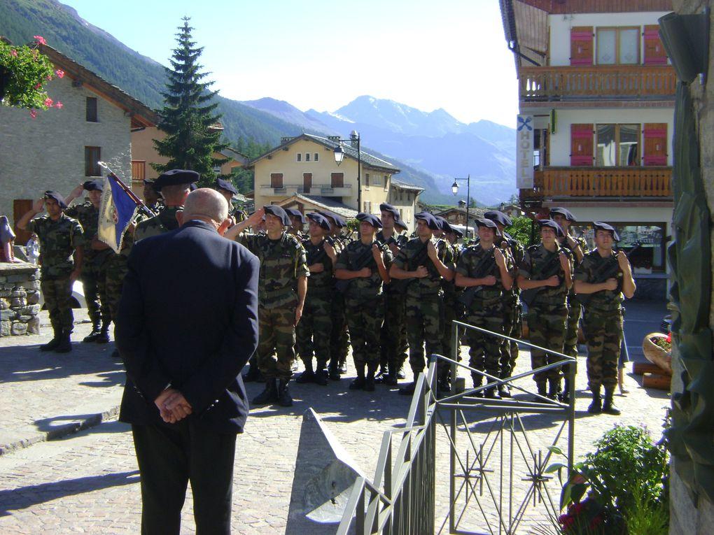 La compagnie Stéphane était à Bessans pour sa cérémonie annuelle en l'honneur des combattants de la Seconde Guerre Mondiale.  Photos : EM.Tracq