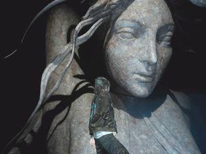 Presque 3h pour atteindre cette immense statue dans les ruines de Pitioss et pourtant, je ne suis qu'à mi-chemin. L'identité de la divinité représentée est laissée à la libre interprétation du joueur.