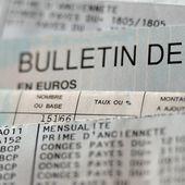 Une hausse du Smic de 100 euros, vraiment ? Ce que va changer l'annonce de Macron