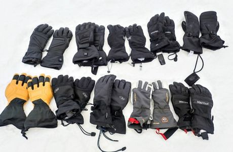 Keep Your Fingers Warm and Cozy - Tips for Choosing Ski Gloves and Mittens