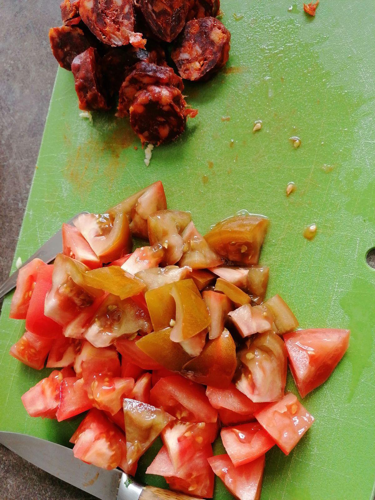 Courgettes tomates mozza chorizo