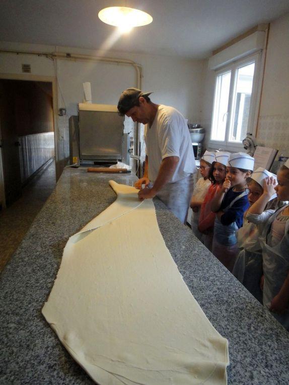 CP-Visite de la boulangerie d'Ercé