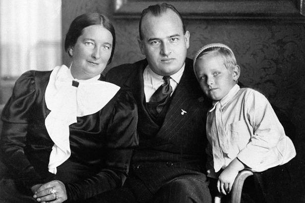 Frank Hans avec son fils Niklas et sa mère