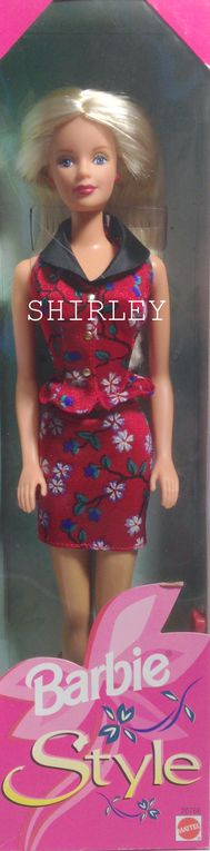 """STYLE"" or ""FASHION AVENUE"" BARBIE DOLL 1998 MATTEL#20766"