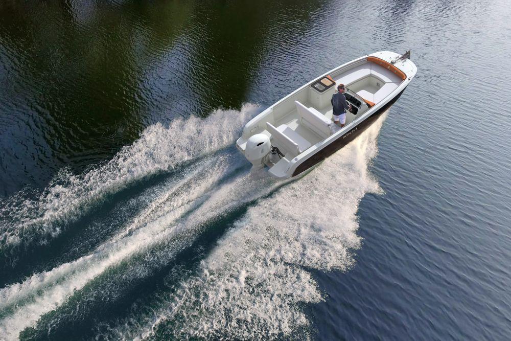 Invictus Capoforte SX200, sei metri di fascino e vivibilità
