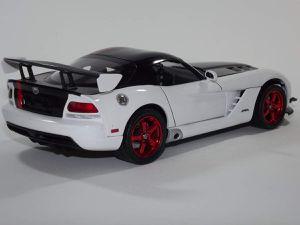 Dodge Viper SRT10 ACR, Revell 1/25ème.