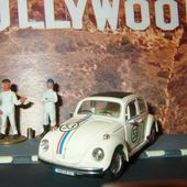 VW COX CHOUPETTE REPLIQUE DU FILM UN AMOUR DE COCCINELLE - HERBIE SCHUCO 1/43 - car-collector.net