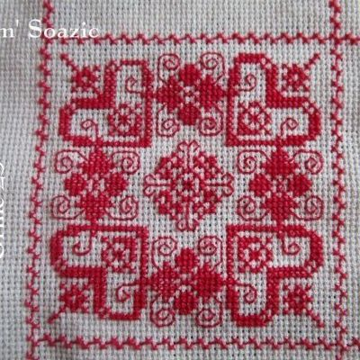 SAL : Plaid Broderie Rouge... Grille 23/A5