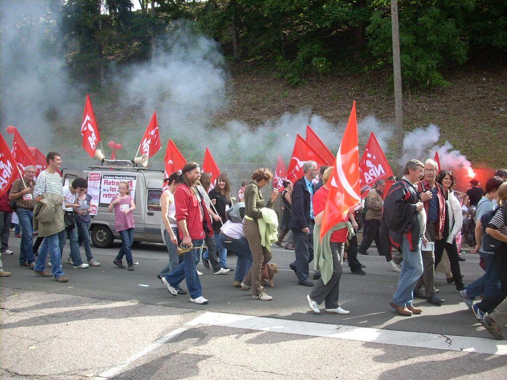 Vues d'ensemble des différents cortèges de la manifestation du 23-09-2010 à Evreux, vues du cortège du NPA-27. La manifestation a rassemblé entre 10 000 et 15 000 manifestants selon les organisations.