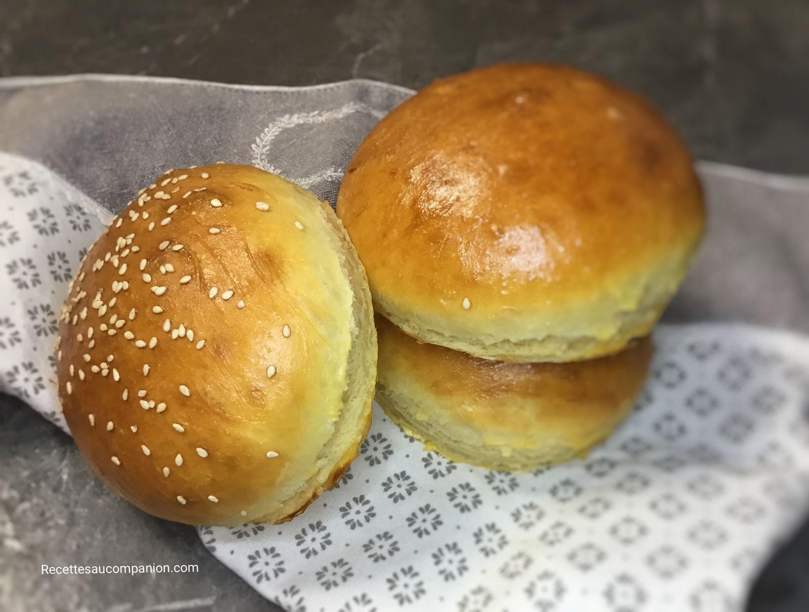 Pain hamburger maison ultra moelleux recette facile au companion thermomix ou sans robot