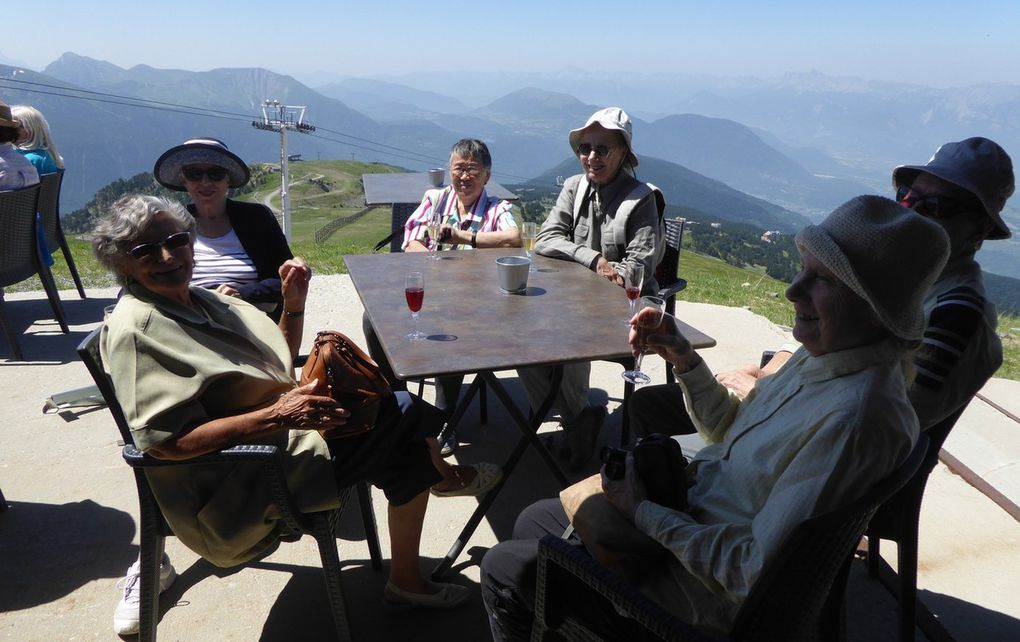 Journée à Chamrousse: montée et déjeuner à la Croix de Chamrousse 2250 m