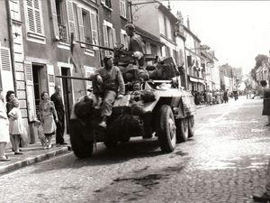 Après quatre années d'Occupation allemande les Américains rentrent à Ris-Orangis le 24 août 1944.