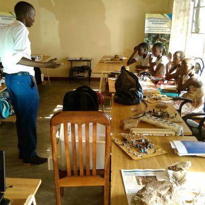 Place de la jeunesse dans l'usage des techniques nouvelles d'information et de communication pour l'auto-développement, le développement du pays et l'évangélisation.