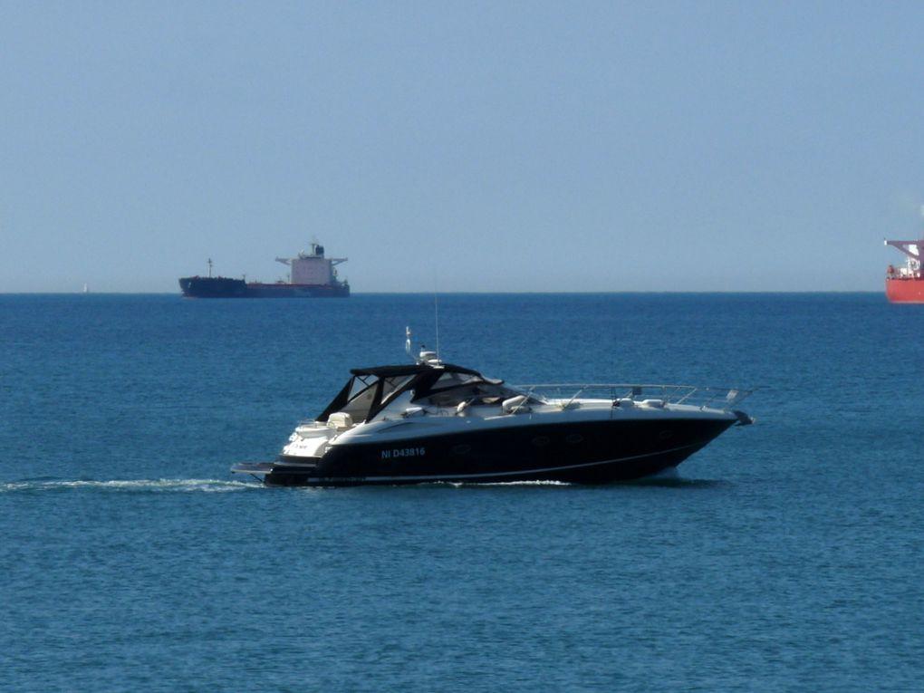 ALL THE SAME , appareillant de Port de Bouc vers le golfe de Fos sur Mer le 24 juin 2015