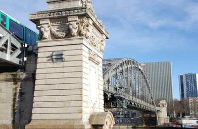 Scène de rue : Paris, le pont d'Austerlitz