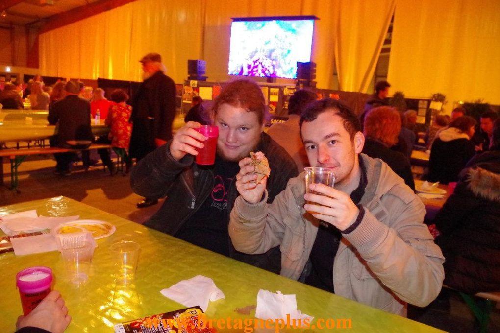 Ce samedi 23 novembre, se déroulait au parc des expositions de Rennes Saint- Jacques, le plus grand Fest-Noz de Bretagne, dans le cadre du Festival YAOUANK 2013