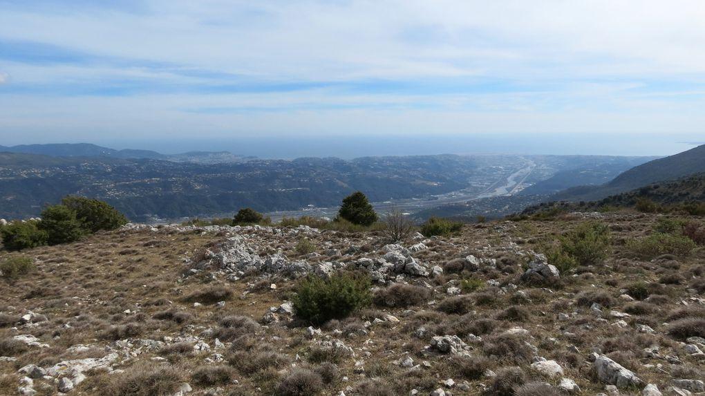 Tour du sommet du Broc