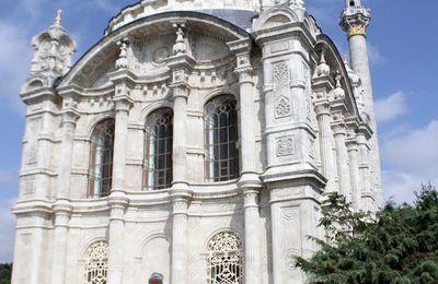 L'emblématique mosquée d'Ortaköy à Istanbul réouverte au public