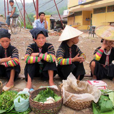Les ethnies du nord Vietnam : Les Lolo Den