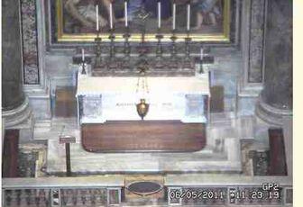 MESSE POUR LES MARTEGAUX SUR LE TOMBEAU DE SAINT JEAN PAUL II
