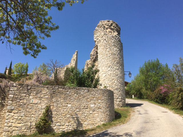 Cobonne : tour des anciens remparts
