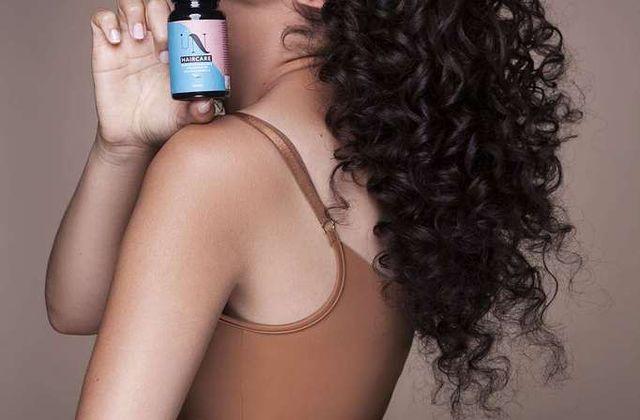 In Haircare: la nouvelle marque de compléments alimentaires qui booste la pousse des cheveux afro
