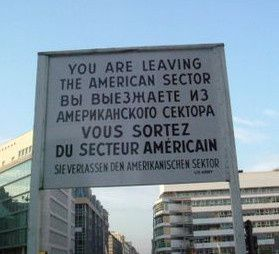 Check Point Charlie, mon amour
